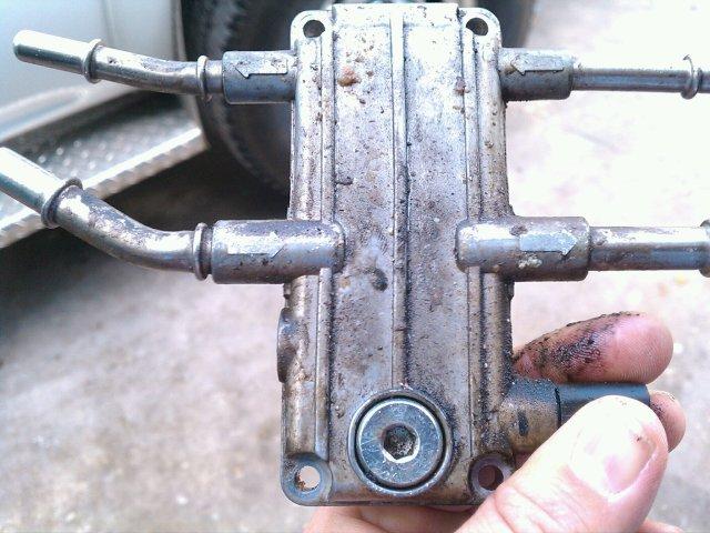 f250 diesel fuel filter location, f250 fuel filter housing, f250 fuel filter replacement, on f250 fuel filter drain