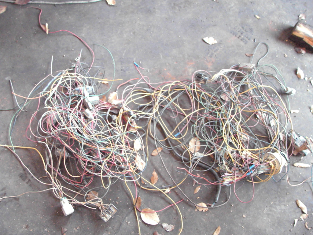 bronco efi 460 transplant silver fox motorsports this is just one pile of wire we removed from the original harness of the vehicle the 460 came from